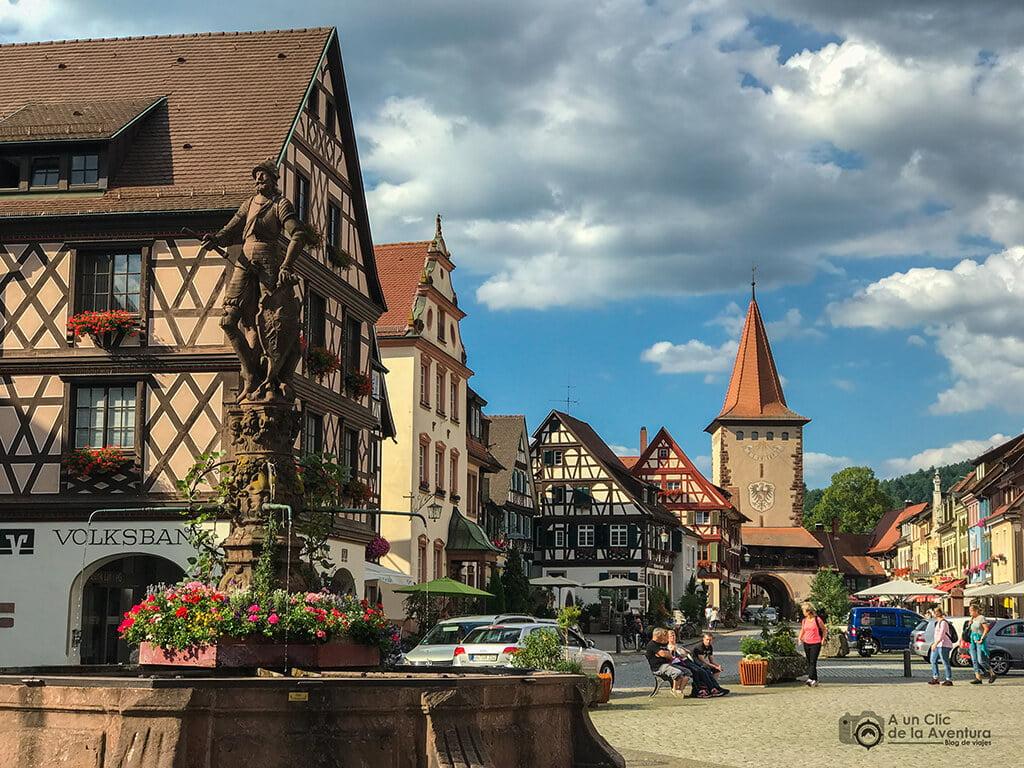 Plaza del Ayuntamiento de Gengenbach en la Selva Negra de Alemania