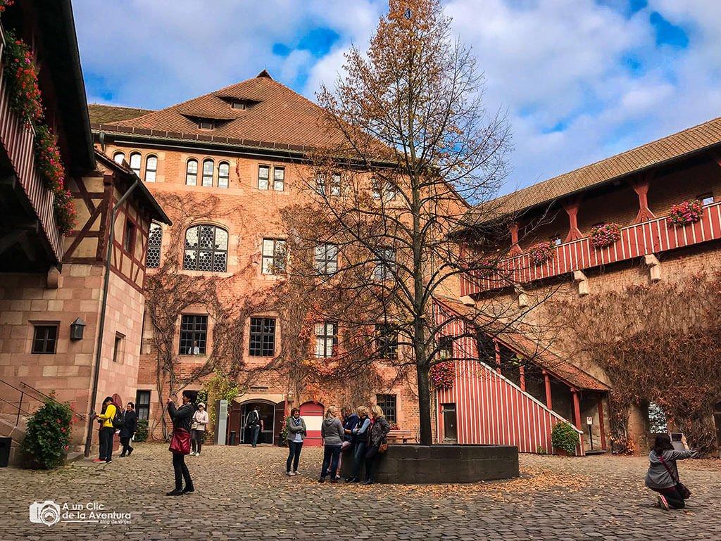 Patio del Castillo de Núremberg - que ver en Núremberg