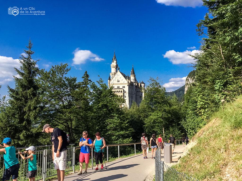 Camino hacia el Castillo de Neuschwanstein