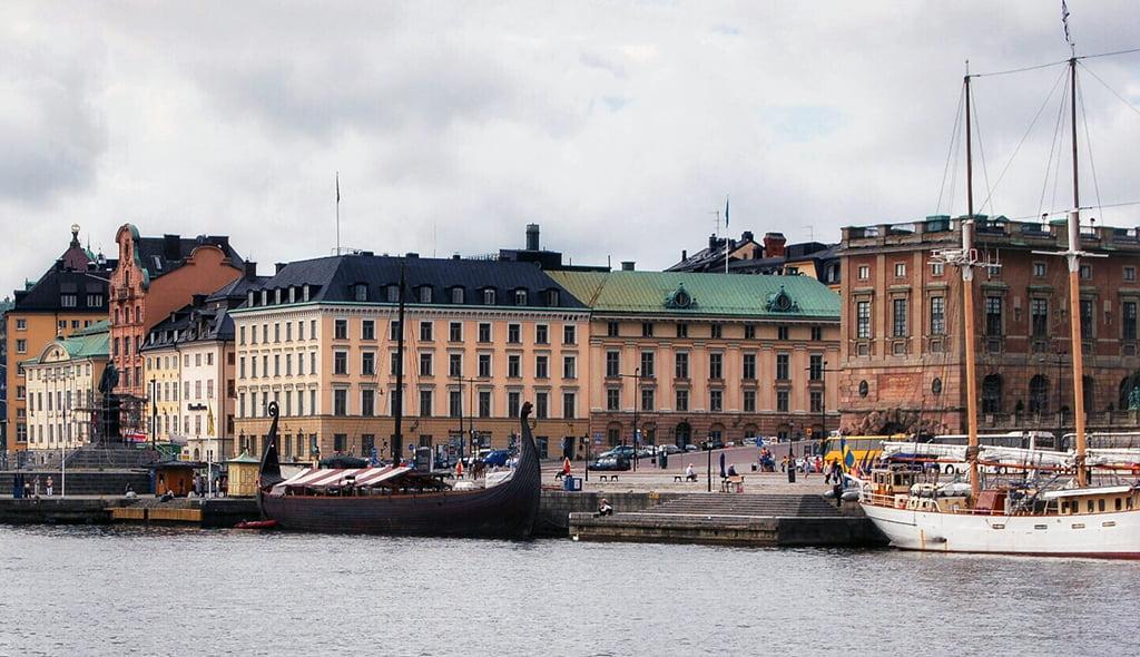 Vistas de Estocolmo y Drakkar Vikingo - visitar Estocolmo