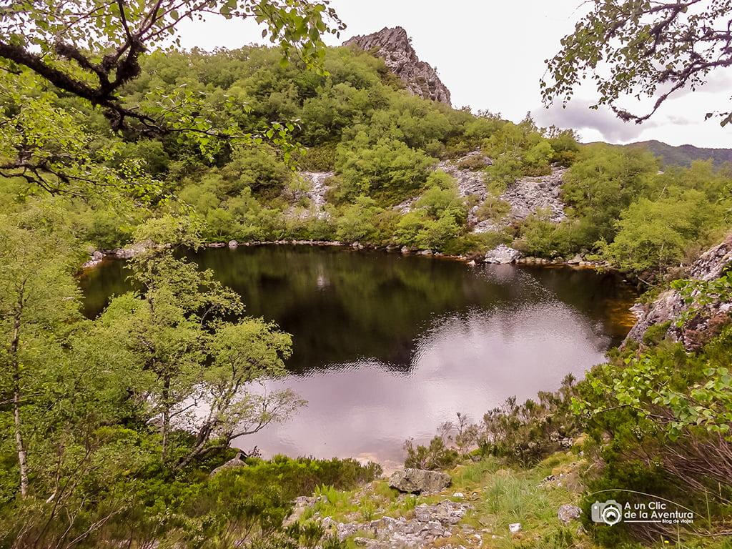 Laguna Fonda de Muniellos - lagos de montaña