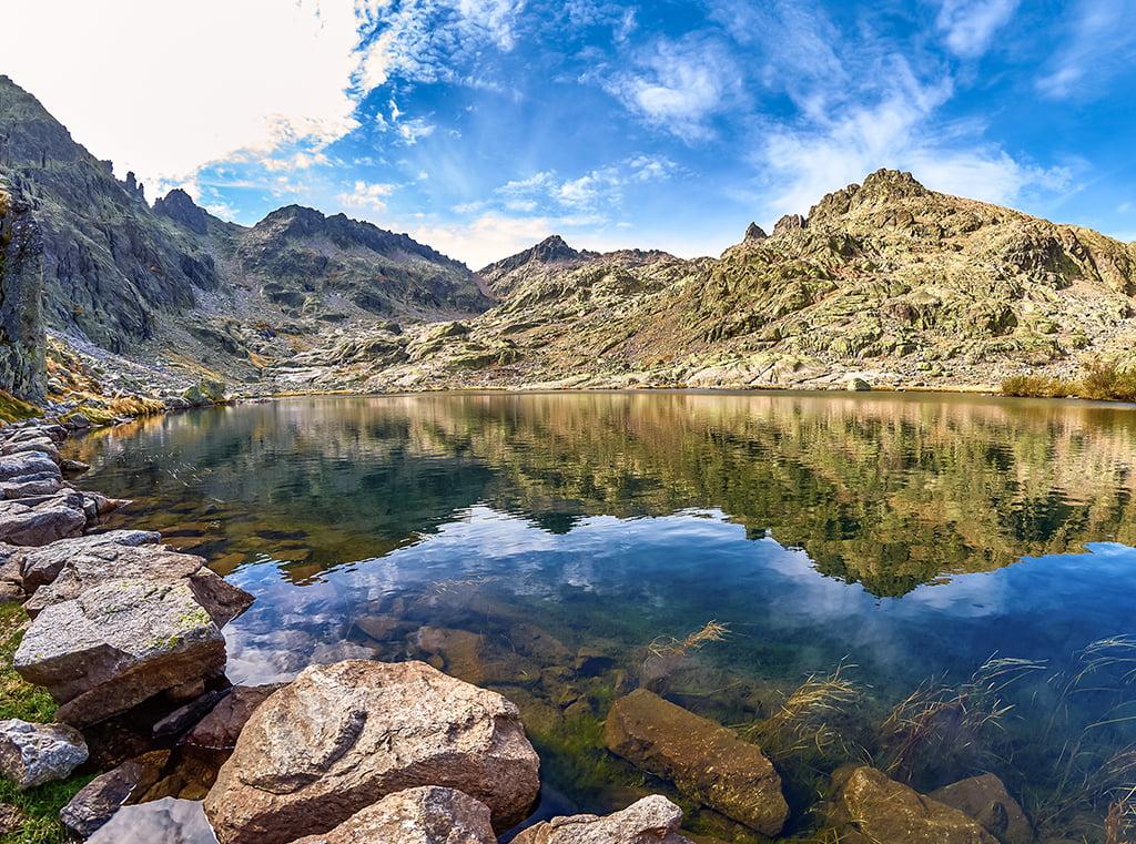 Laguna grande de Gredos - lagos de montaña
