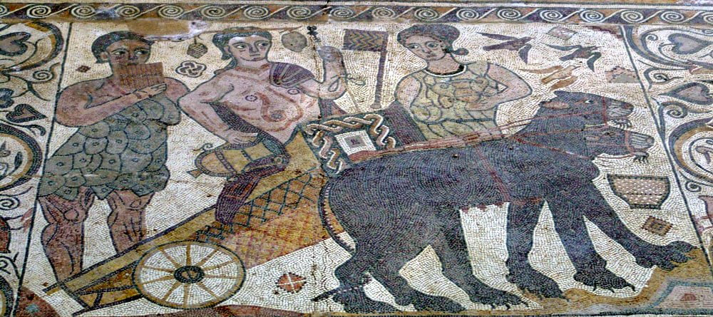 Mosaico de Baco Villa Romana de Santa Cruz en Baños de Valdearados - qué ver en la Ribera del Duero