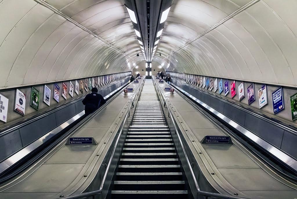Escaleras del metro de Londres