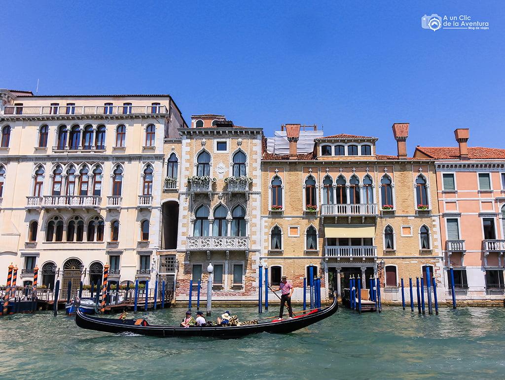 Góndola en Venecia - viajar a Venecia