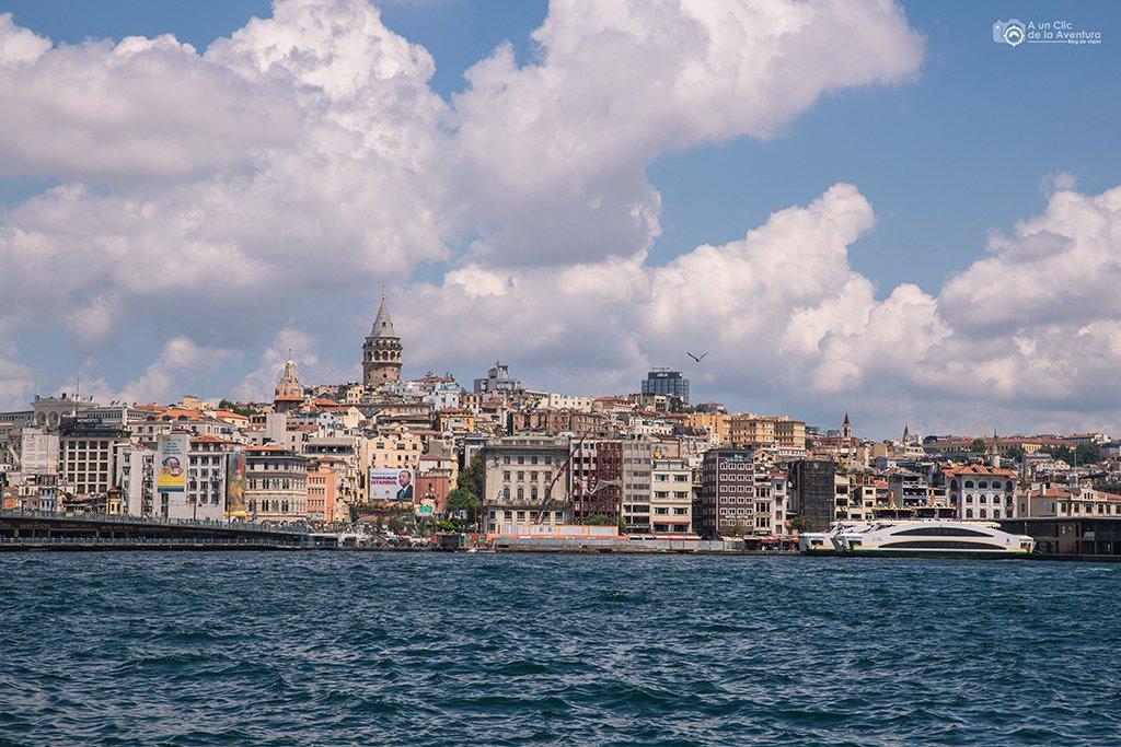 Barrio de Beyoglu con la Torre Galata, viaje a Estambul