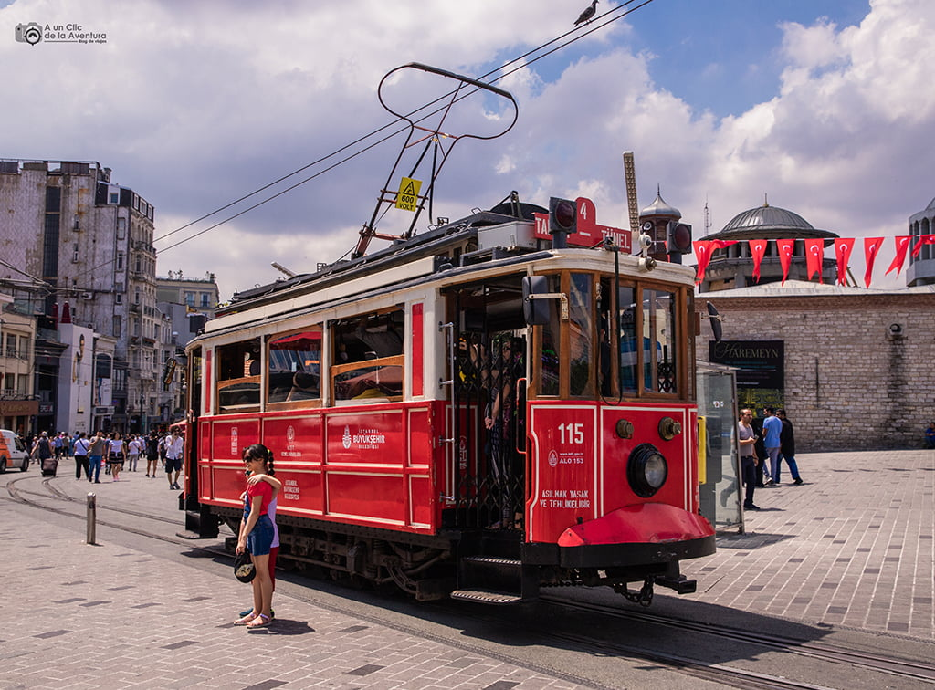 Tranvía histórico de Beyoglu - medios de transporte de Estambul