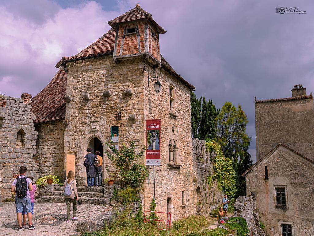 Castillo de la Gardette y Museo Rignault que ver en Saint-Cirq Lapopie