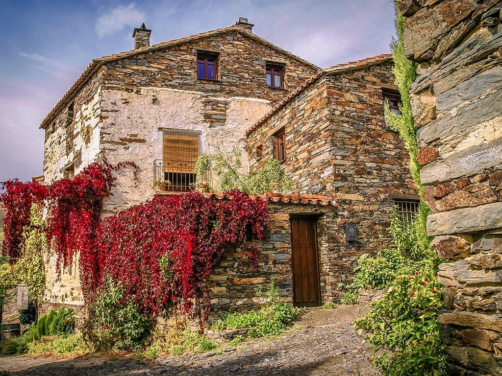 Arquitectura tradicional de Patones de Arriba, pueblos de Madrid con encanto