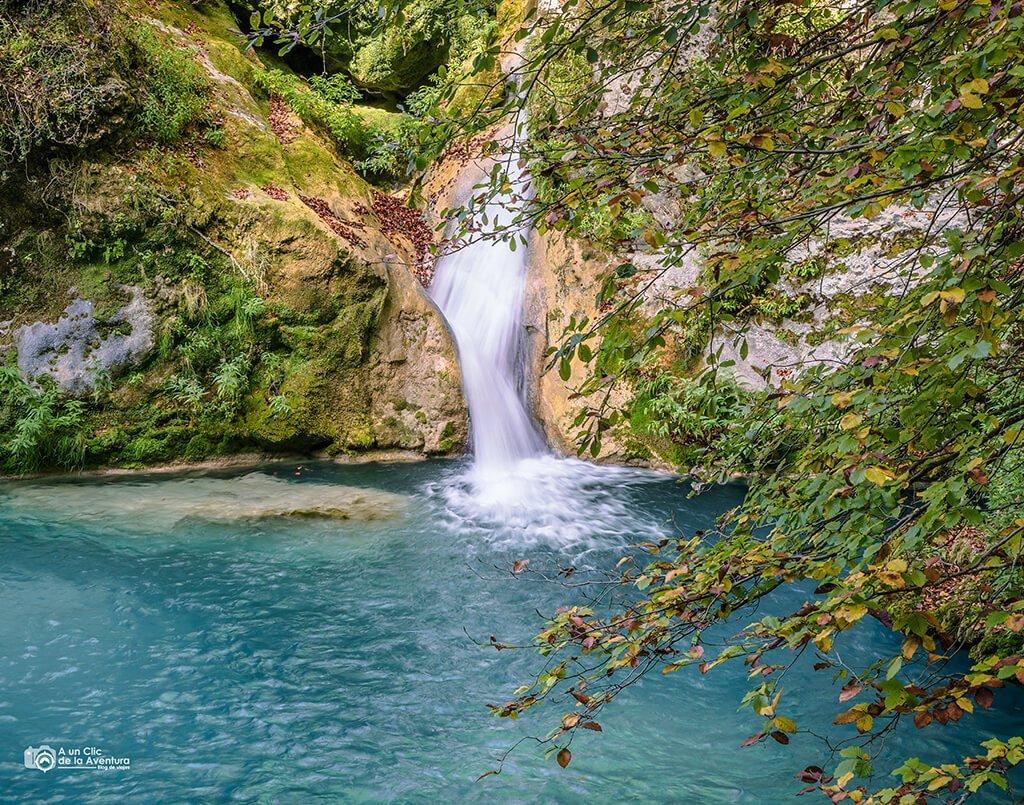 Primera cascada de la ruta al nacedero del Urederra