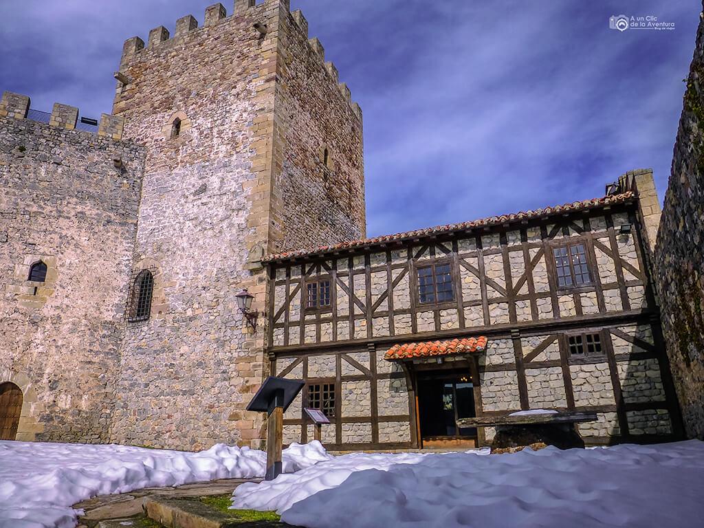 Castillo de San Vicente en Argüeso, Cantabria con niños