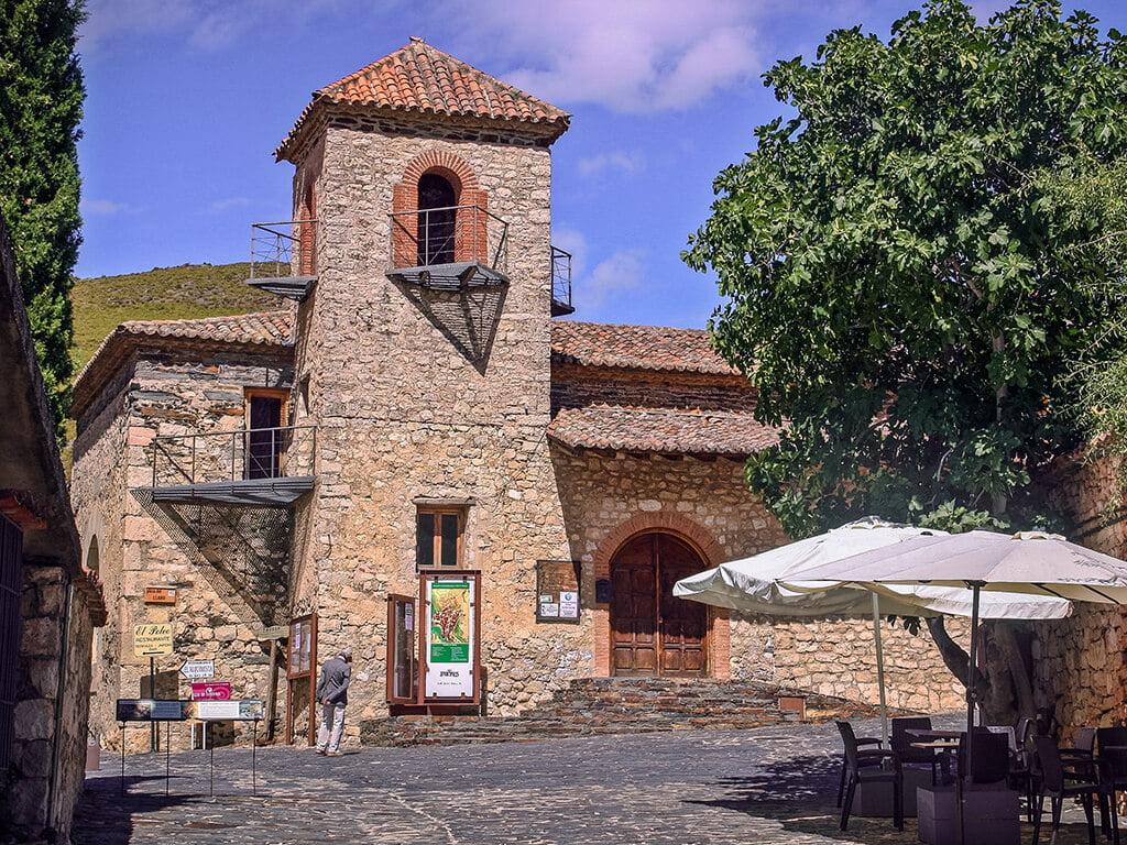 Iglesia de San José en Patones de Arriba, pueblos de Madrid con encanto