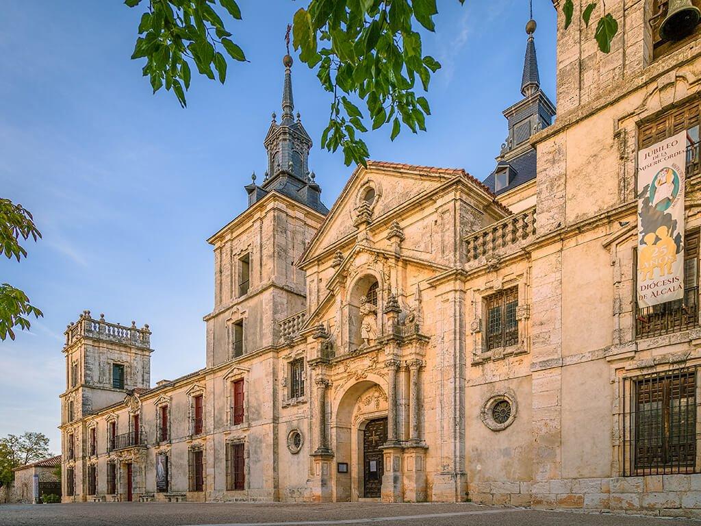 Iglesia y Palacio de Goyeneche en Nuevo Baztán, pueblos de Madrid con encanto