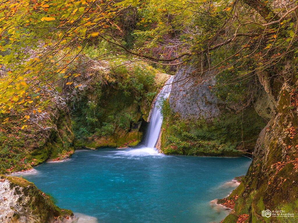 Ruta de las cascadas azules del Urederra, nacedero del Urederra