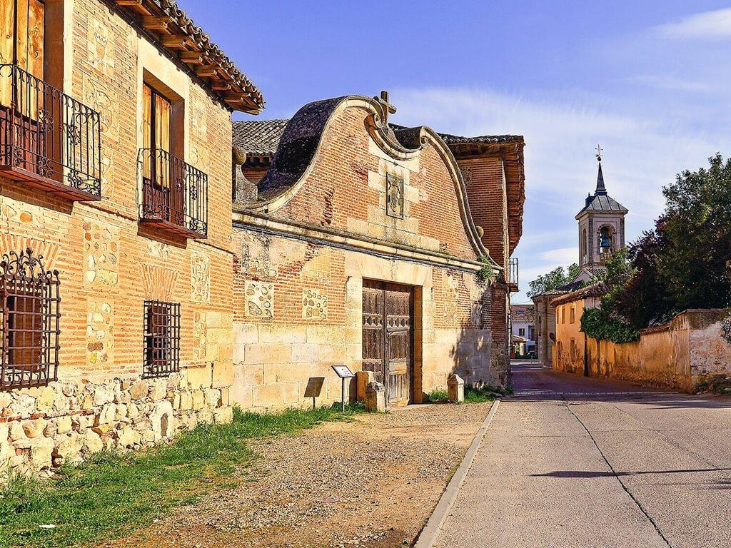 Entrada a la Cartuja de Talamanca de Jarama, pueblos de Madrid con encanto