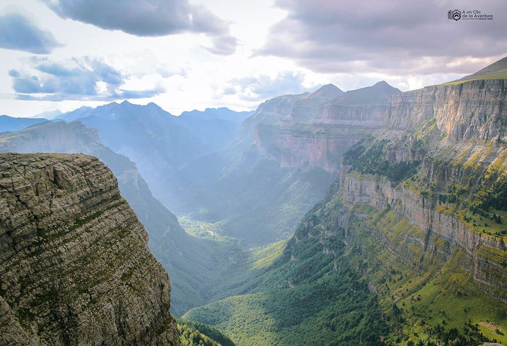 Valle de Ordesa desde el Mirador de Ciarracils, Miradores de Ordesa
