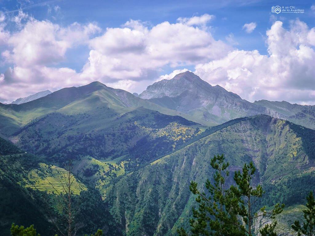 La Sierra de Tendeñera desde el Mirador de la Ermita, Miradores de Ordesa