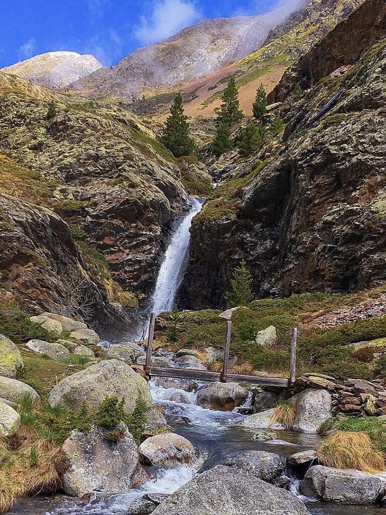 Cascada de Riqüerna o de Rus- Cascadas del Pirineo Catalán