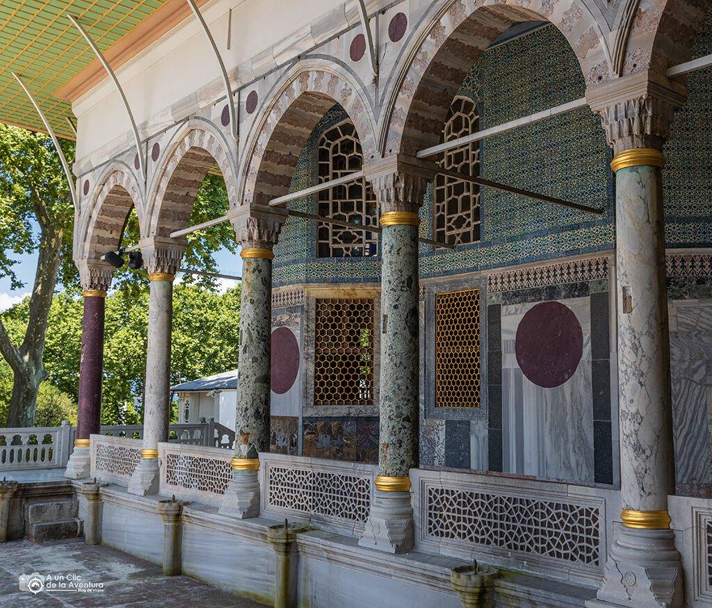 Exterior del Pabellón de Bagdad del Palacio de Topkapi - visitar el Palacio de Topkapi