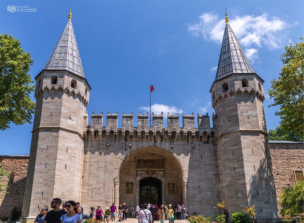 Puerta de los Saludos del Palacio de Topkapi en Estambul - visitar el Palacio de Topkapi