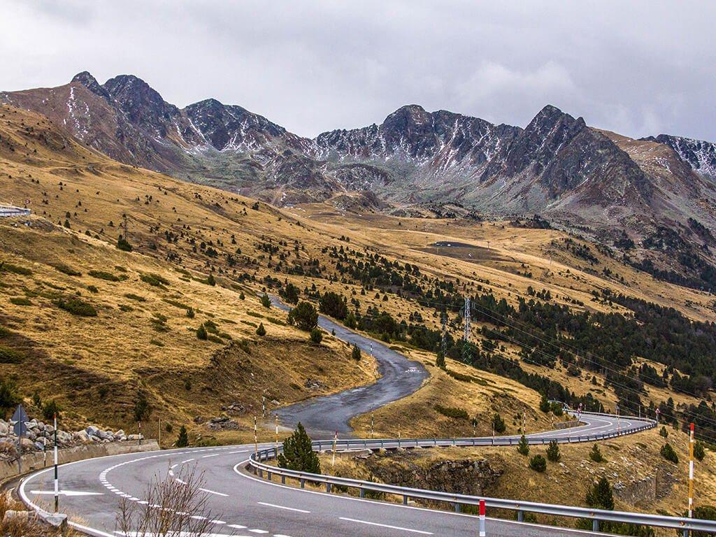 Carretera de Andorra, cerca de Pas de la Casa - viajar a Andorra