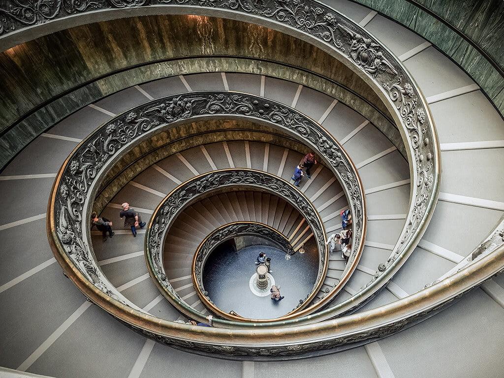 Escalera de Bramante, Museos Vaticanos - visitar el Vaticano