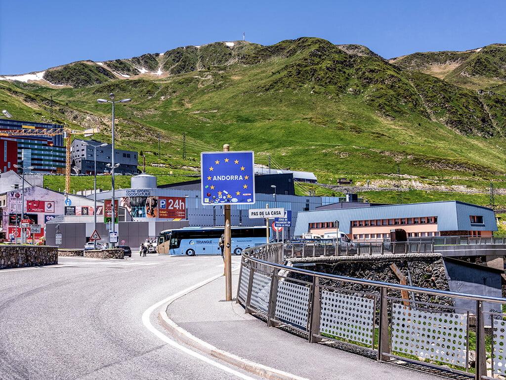 Frontera de Andorra-Francia en Pas de la Casa