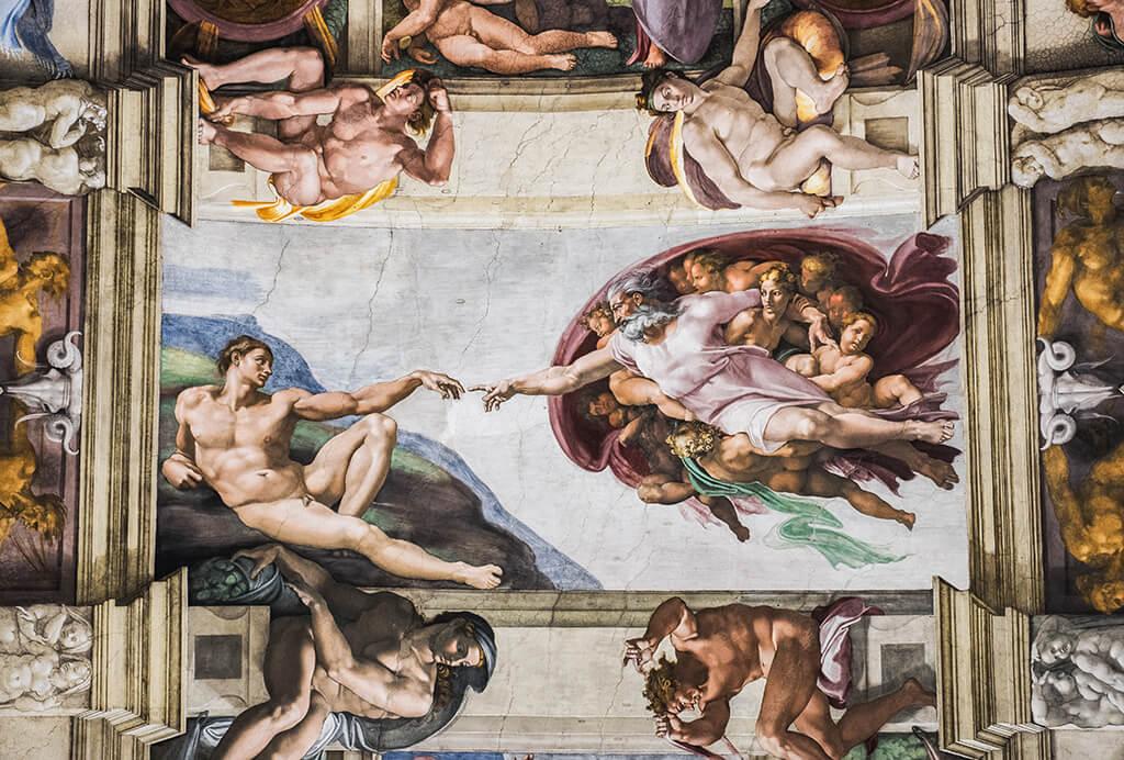 La Creación de Adán en la Capilla Sixtina - visitar el Vaticano