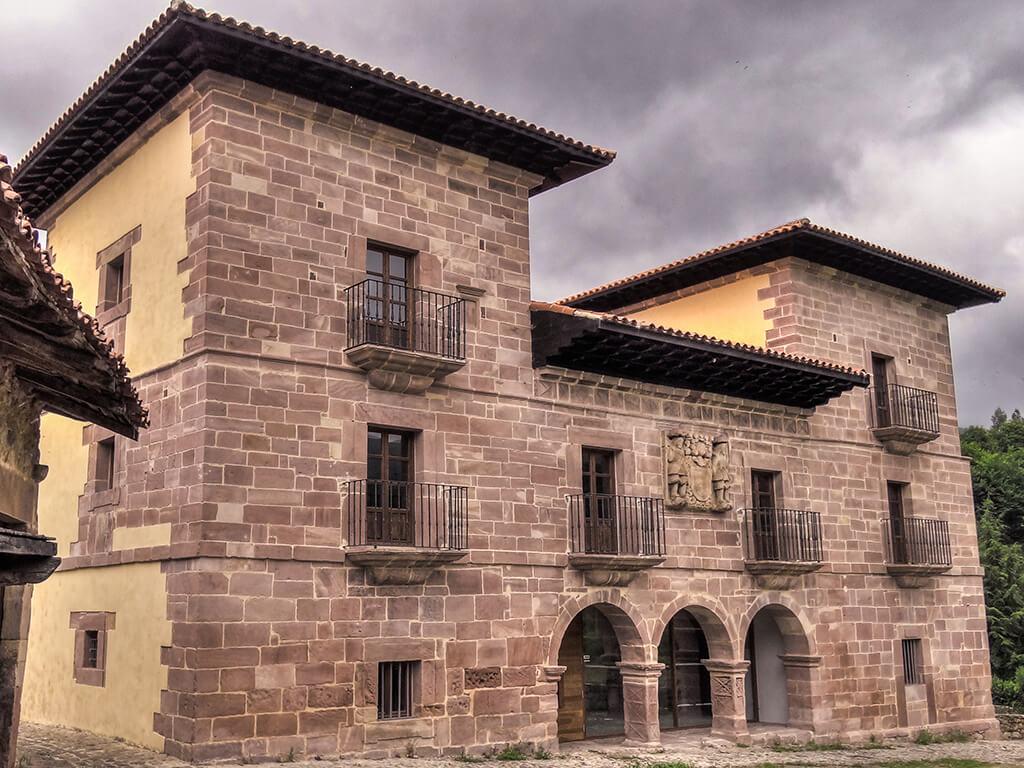 Palacio de los Díaz Cossio y Mier en Carmona - palacios de Cantabria