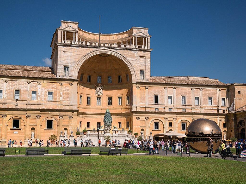 Patio del Belvedere en los Museos Vaticanos - visitar el Vaticano