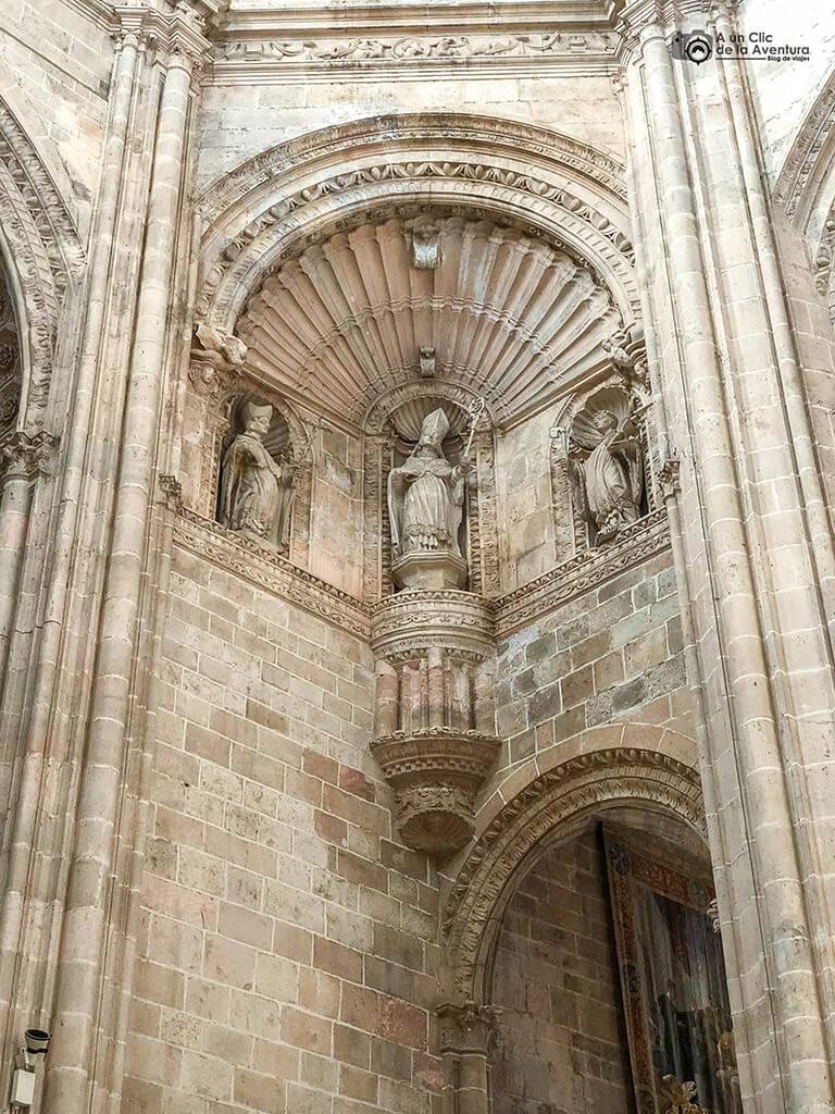 Detalle de la decoración de una trompa del Monasterio de la Vid