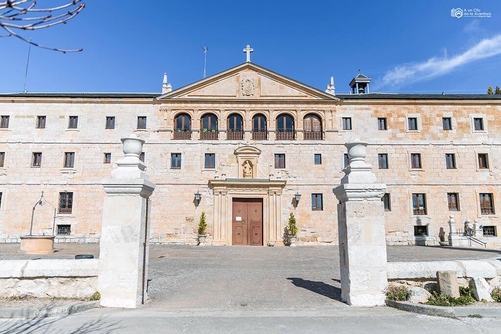 Entrada actual del Monasterio de Santa María de la Vid