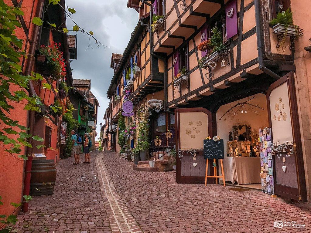 Calle de Riquewihr en Alsacia