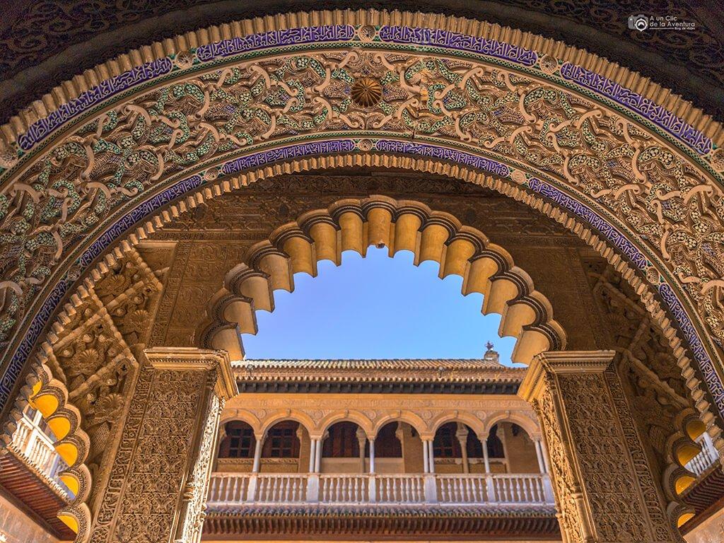 Decoración de los arcos del Real Alcázar de Sevilla