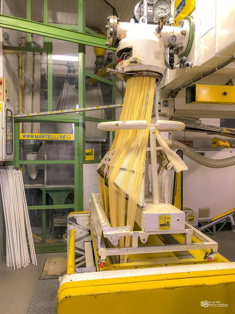 Máquinaria de la fábrica de pasta Martelli, Lari