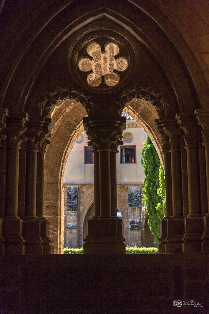 Detalle del Claustro del Monasterio de Piedra