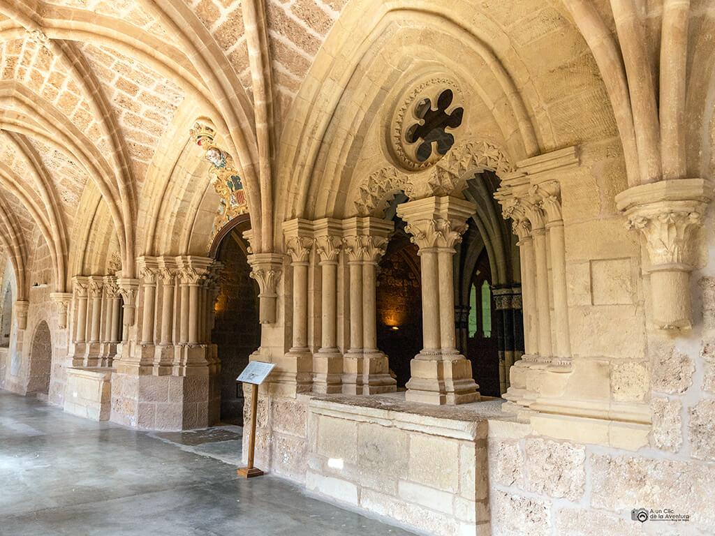 Entrada a la Sala Capitular del Claustro del Monasterio de Piedra