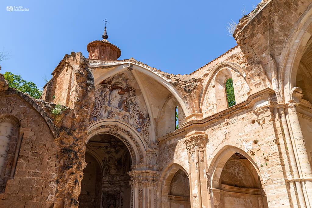Ruinas de la Abadía del Monasterio de Piedra