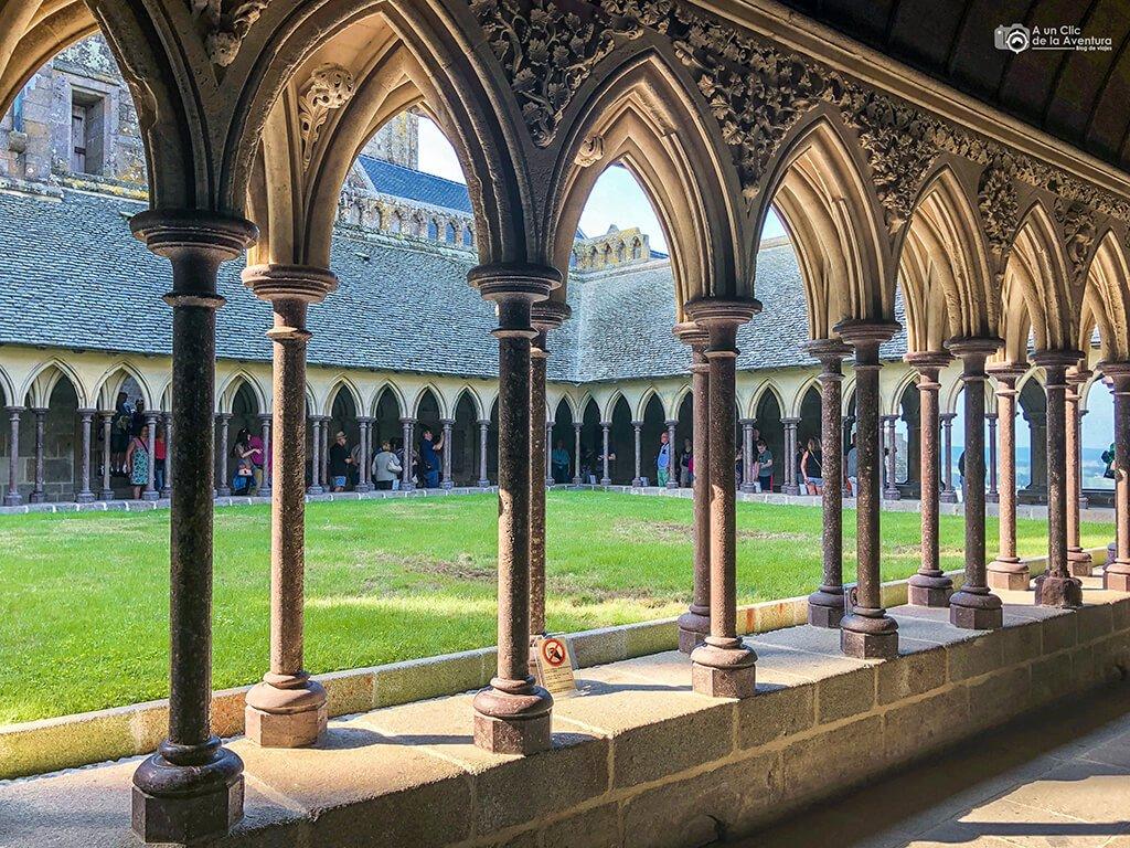 Claustro de la Abadía del Mont Saint-Michel