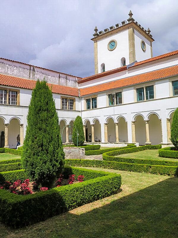 Claustro de la Sé Velha de Braganza