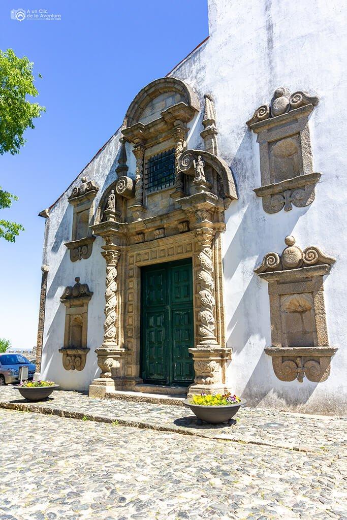 Portada de la Iglesia de Santa María de Braganza