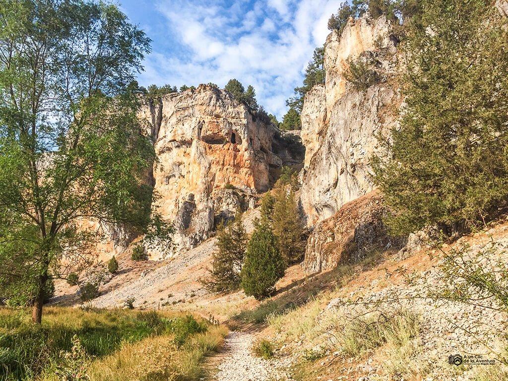 Senda del río del Cañón del Río Lobos
