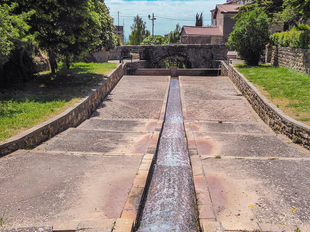 Acueducto romano de Poza de la Sal