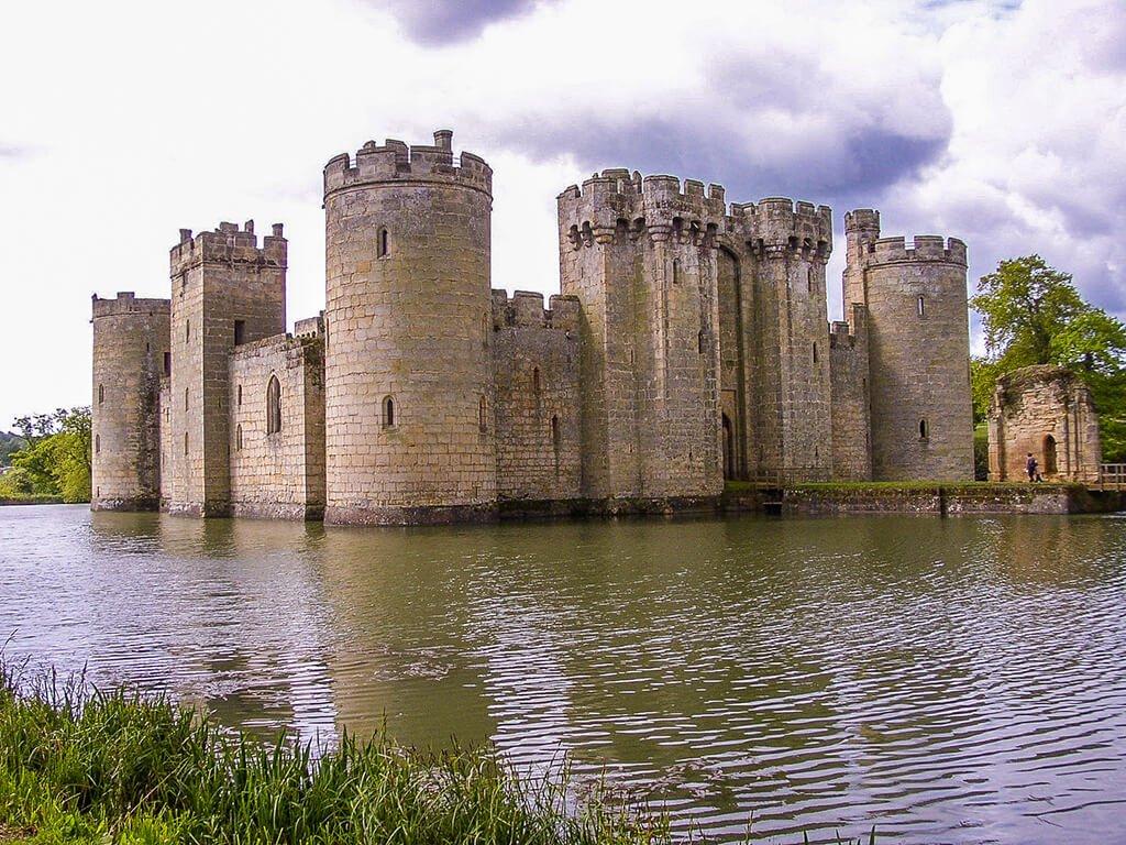 Castillo de Bodiam, Castillos de Europa