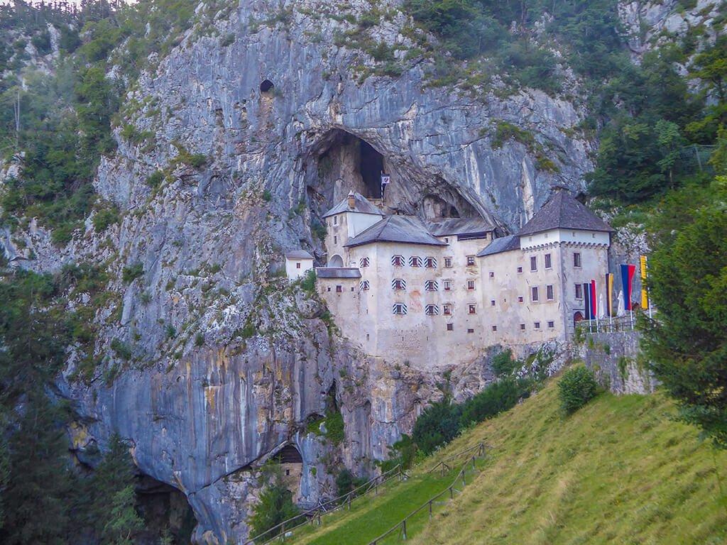 Castillo de Predjama, Castillos de Europa