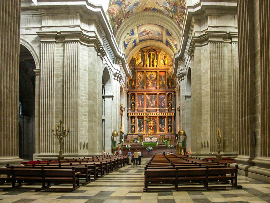 Interior de la Basílica de El Escorial