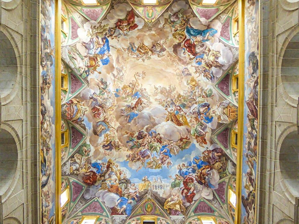 Frescos de la escalera del claustro, El Escorial