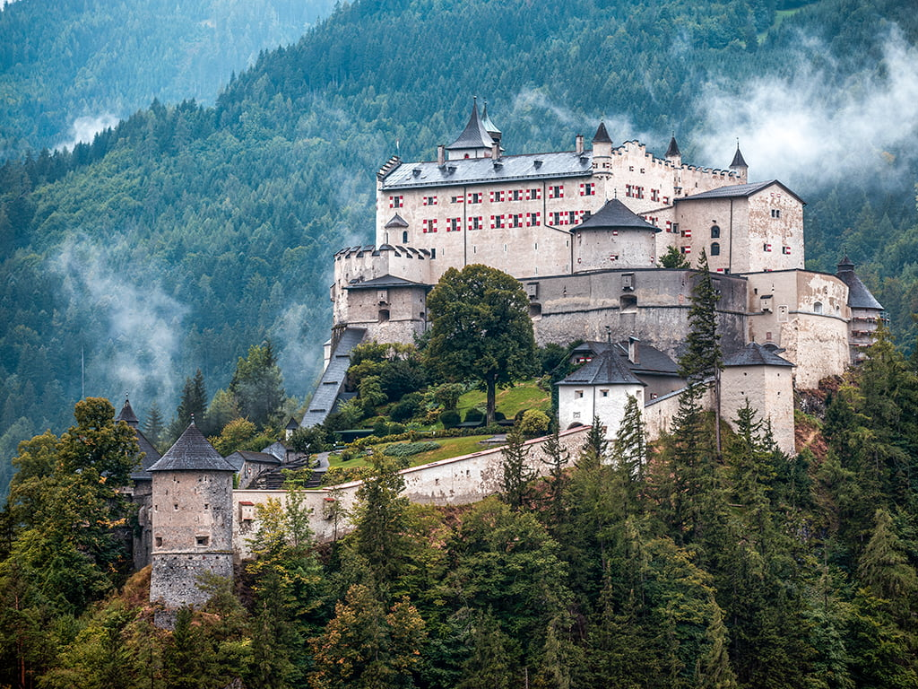 Castillo Hohenwerfen cerca de Salzburgo