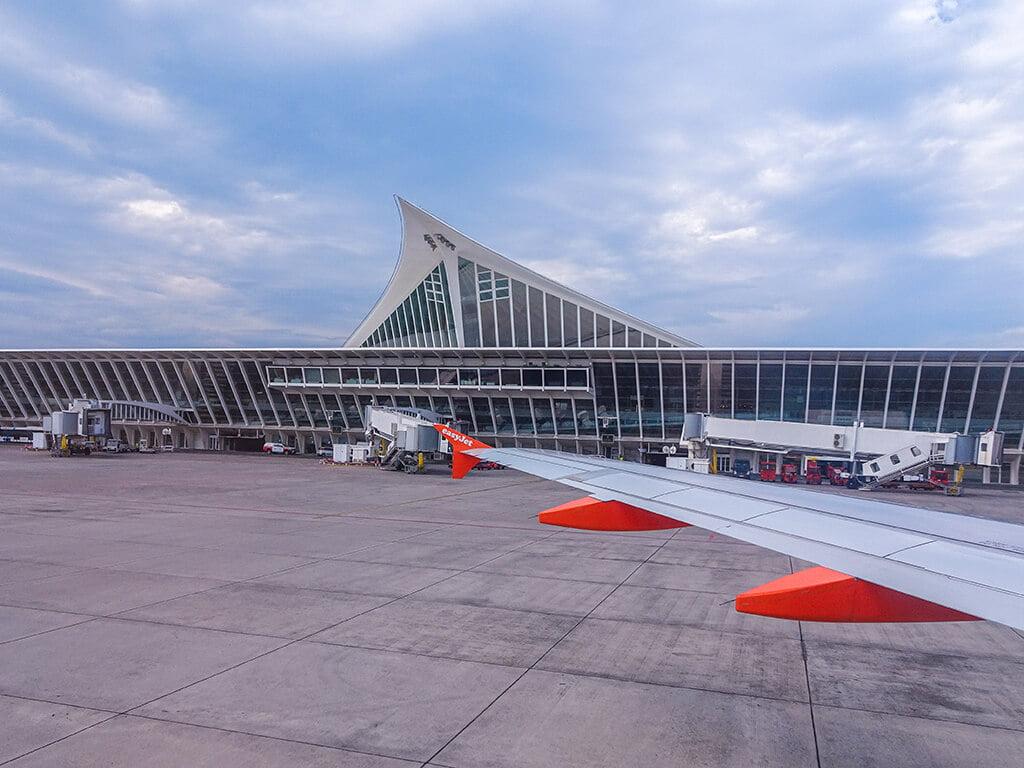 """Pista del aeropuerto de Bilbao """"La Paloma"""""""