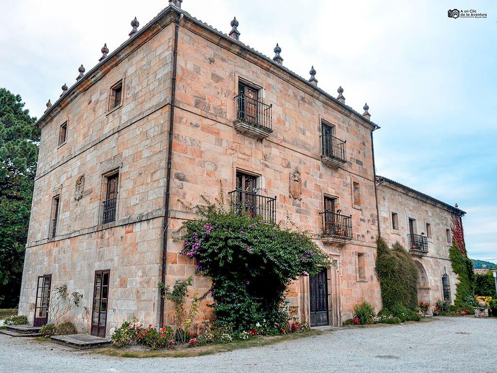Palacio de los Gándara en Villabáñez, pueblos pasiegos